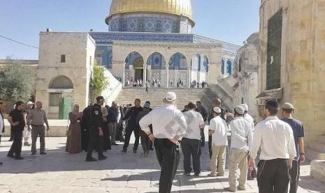 komplek-masjidil-aqsa-_141031141615-628